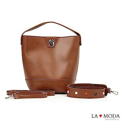 La Moda 百搭經典不敗款多種背法大容量肩背斜背水桶包(棕色)