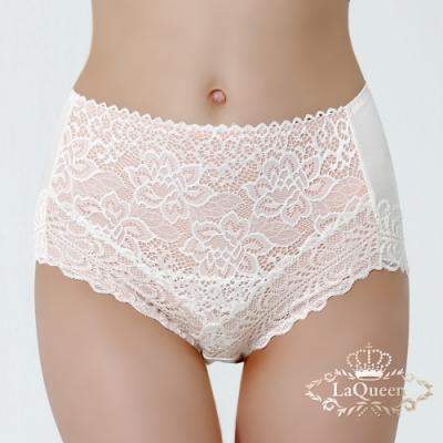 內褲  唯美花紋滾邊蕾絲包覆美臀褲-白  La Queen