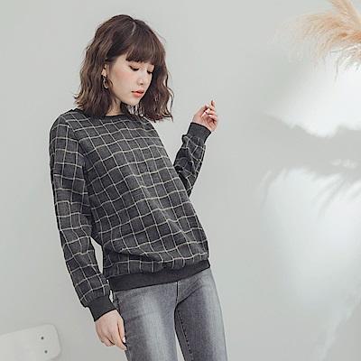 配色格紋磨毛圓領上衣-OB大尺碼