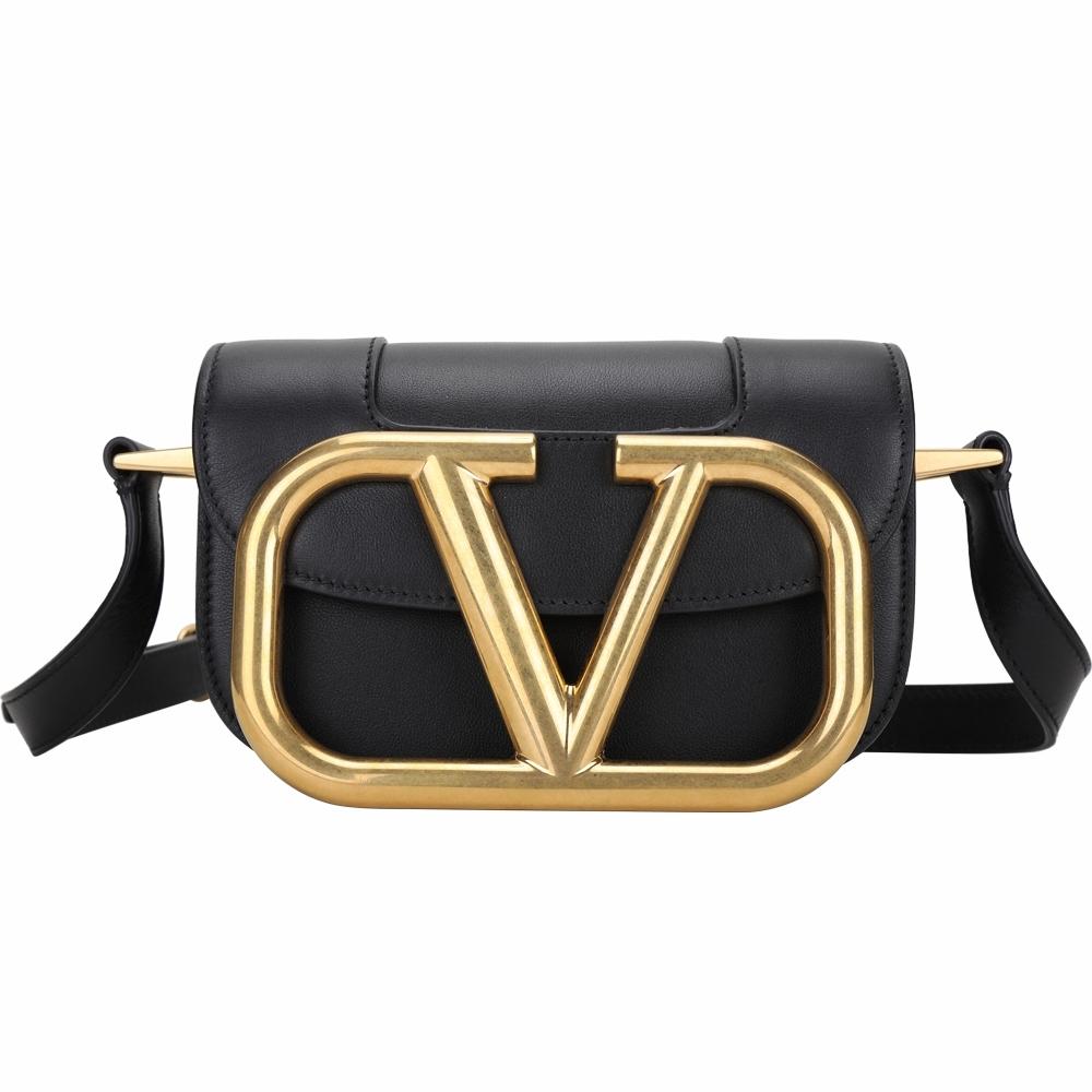 VALENTINO VLogo SuperVee 小款 金屬標誌小牛皮斜背包(黑色)