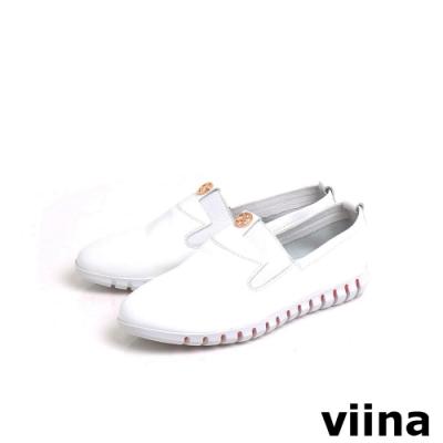 viina 經典小LOGO彈性底休閒鞋-白