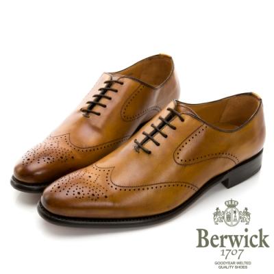 BERWICK西班牙進口-固特異工藝WHOLE CUT 翼紋雕花牛津鞋 -棕 635031KM
