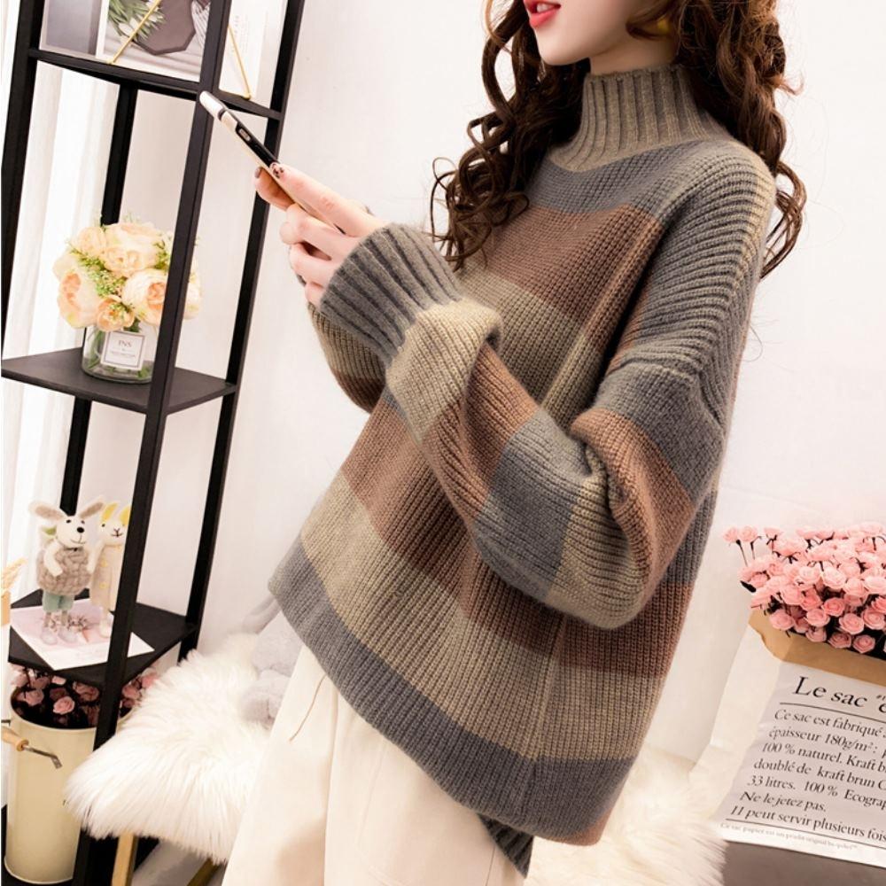 La Belleza半高領橫條三色配色束口袖針織長版毛衣