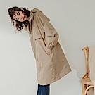 純色防潑水高領抽繩連帽長版風衣外套-OB大尺碼