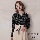 東京著衣-KODZ 復古V領圓點澎袖造型襯衫-S.M.L(共二色)