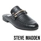 STEVE MADDEN-KERA 馬銜扣壓紋低跟穆勒鞋-黑色