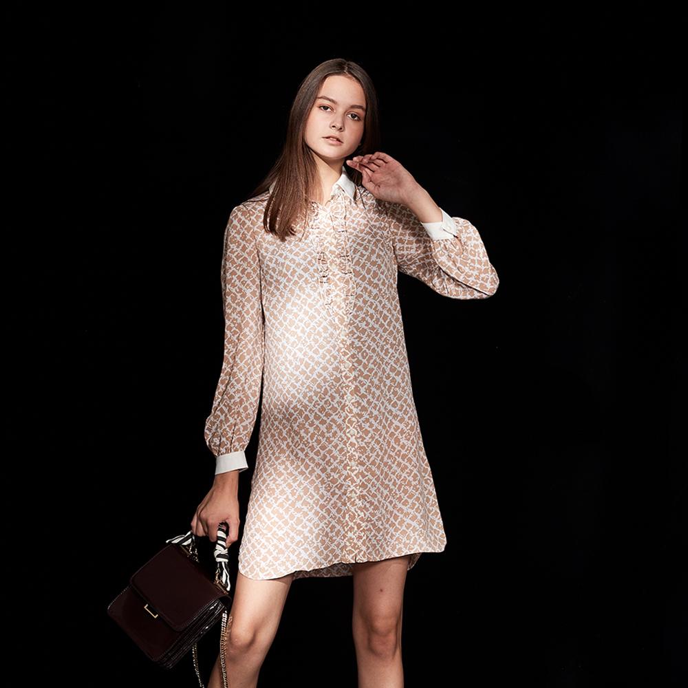 ICHE 衣哲 時尚印花襯衫式拼接造型洋裝-榛果杏