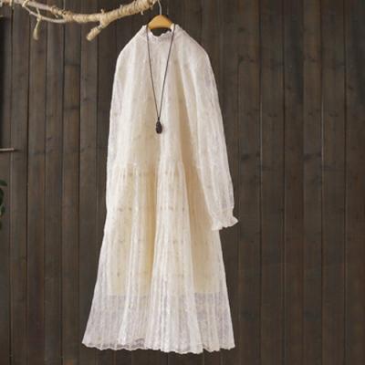 蕾絲花瓣領寬鬆顯瘦中長版洋裝-設計所在