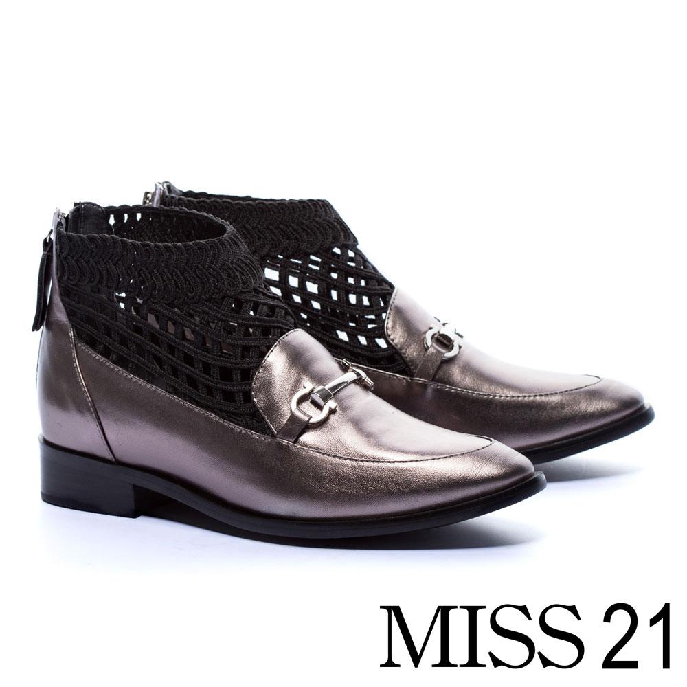 低跟鞋 MISS 21 個性英倫網襪造型全真皮尖頭樂福低跟鞋-銀