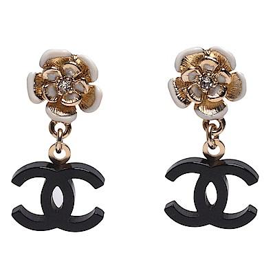 CHANEL 琉璃水鑽鑲嵌花朵雙C LOGO墜飾針式耳環(黑-金)