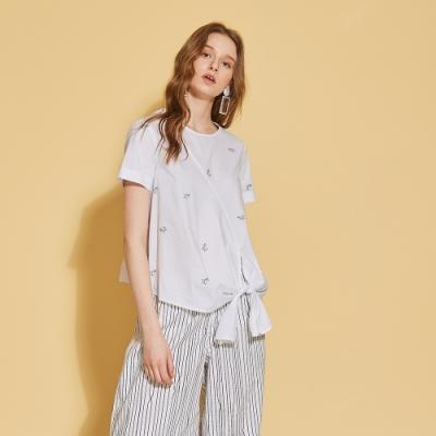 ICHE 衣哲 3D蝴蝶結飾刺繡印花襯衫造型上衣-沁白