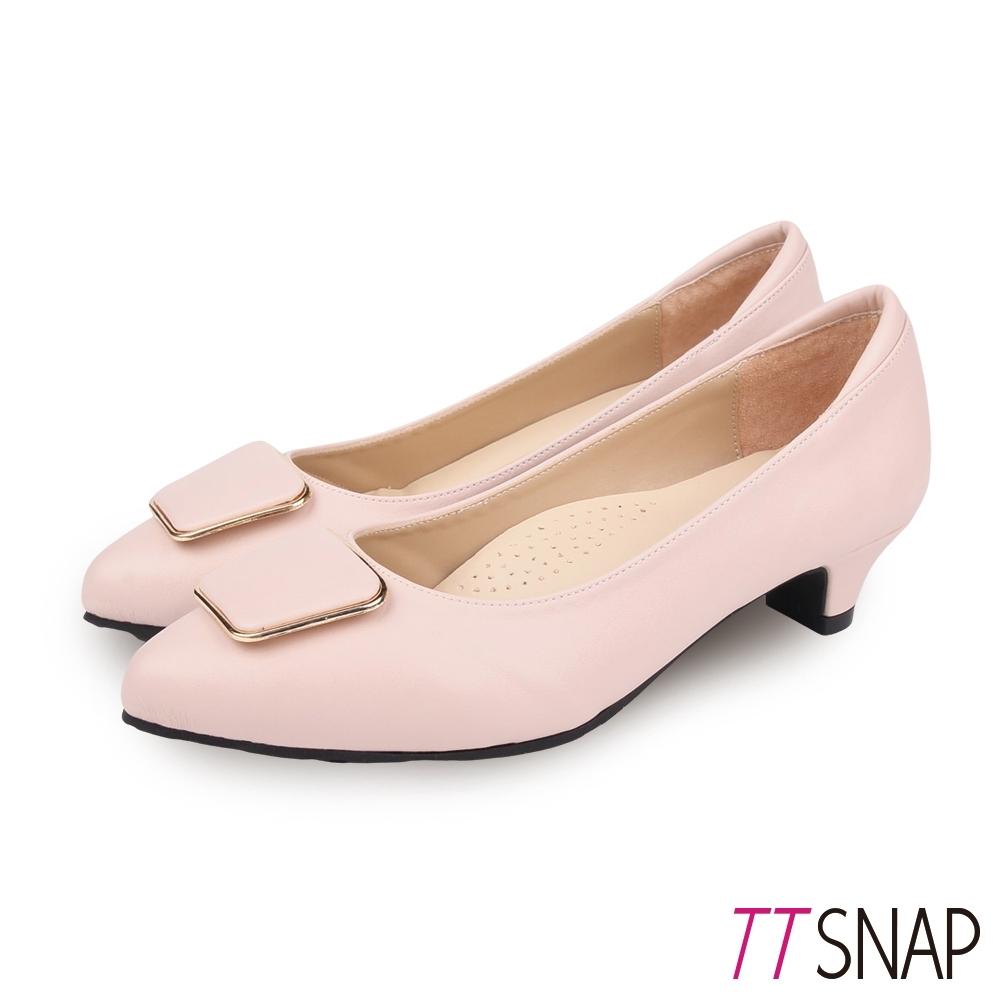 TTSNAP中跟鞋-MIT微尖頭羊紋梯形飾扣真皮跟鞋 杏