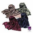 ILEY伊蕾 都會簡約壓褶絨布圍巾(藍/綠/紅/咖)