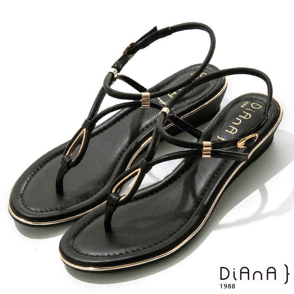 DIANA 3.5cm羊紋幾何線條水滴金屬綴飾涼鞋-浪漫夏日-黑