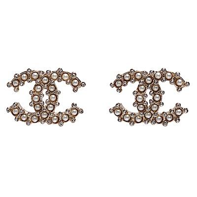 CHANEL 經典雙C LOGO珍珠/水鑽鑲嵌穿式耳環(金)
