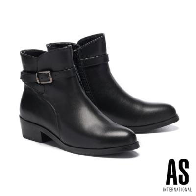 短靴 AS 金屬環繞帶釦造型牛皮尖頭高跟短靴-黑