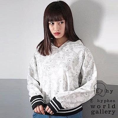 E hyphen 小精靈聯名款-滿版圖騰連帽休閒T恤上衣