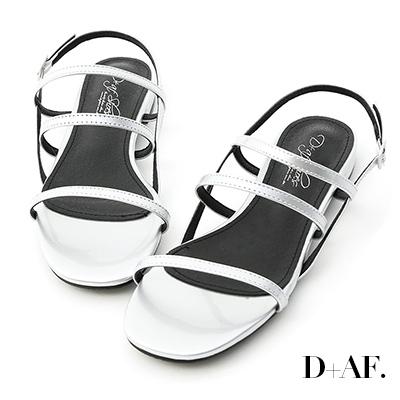 D+AF 仲夏焦點.三條帶漆皮低跟涼鞋*銀
