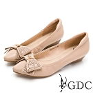 GDC-甜美可人簍空素色基本楔型鞋-卡其色