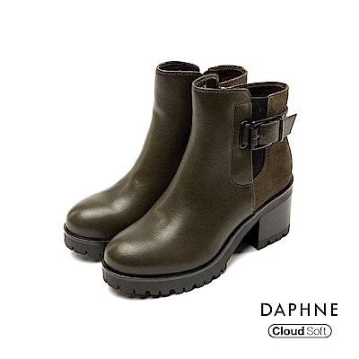 達芙妮DAPHNE 短靴-圓頭佐寬版腰扣雲軟粗跟短靴-橄欖綠