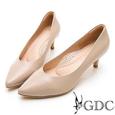 GDC-真皮質感裸色系素面上班必備心機尖頭中跟鞋-粉膚色