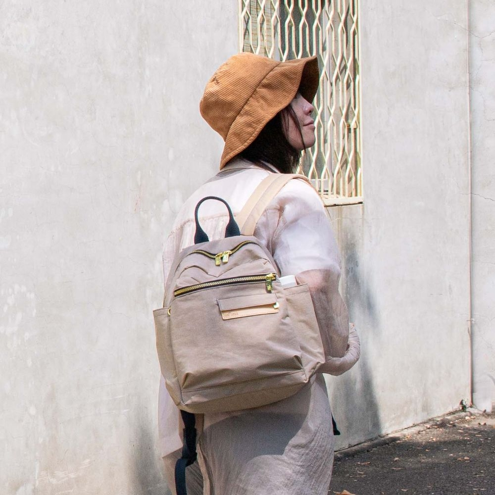 satana - Soldier 心旅行後背包 - 奶茶色