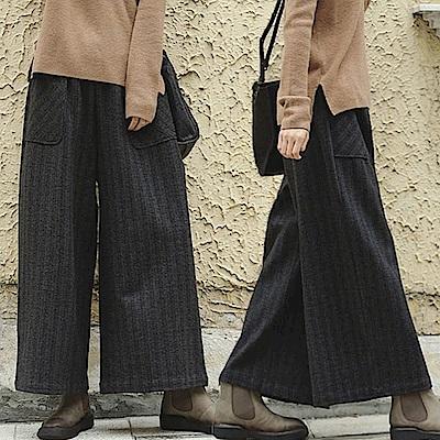 休閒褲-彈力軟毛呢條紋寬管-設計所在