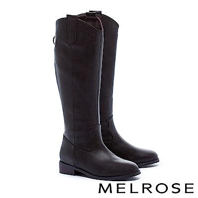 長靴 MELROSE 經典率性V型剪裁荔枝紋皮革粗低跟長靴-咖