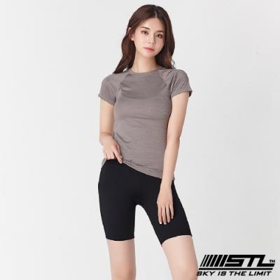 韓國 STL Yoga leggings FREE LINE 5『無尷尬線+高腰』韓國瑜珈 訓練拉提 自由曲線緊身5分短褲 極簡黑Black
