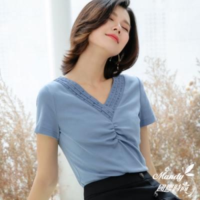 Mandy國際時尚 釘珠V領洋氣時尚韓劇OL短袖上衣 (3色)  【韓國服飾】