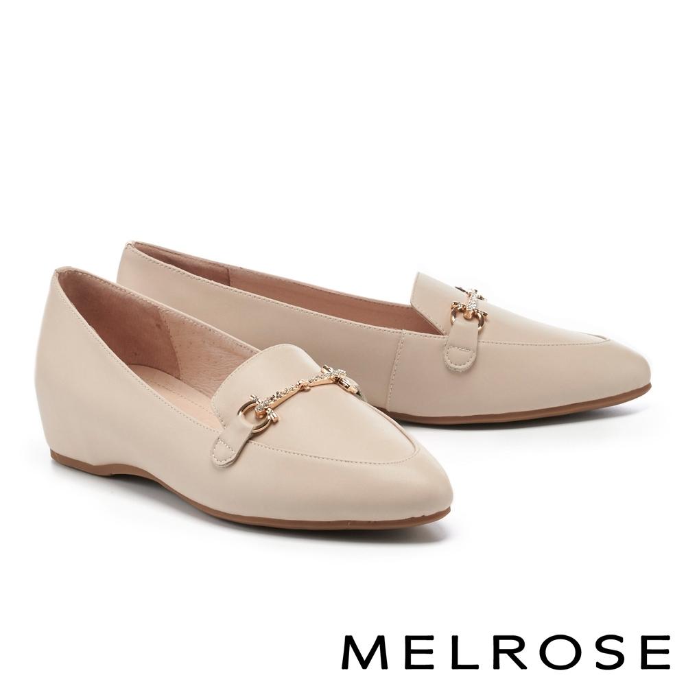 低跟鞋 MELROSE 摩登時尚金屬鍊條全真皮內增高樂福低跟鞋-米