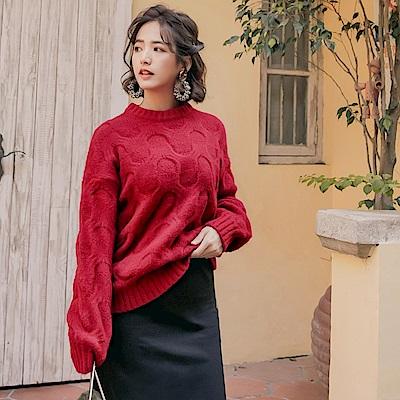 iMODA STAR-臧芮軒。純色保暖造型麻花針織長袖上衣