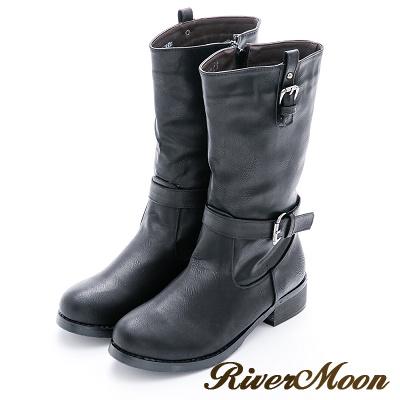 River&Moon加大尺碼-皮帶飾扣造型軍風中統騎士靴-黑