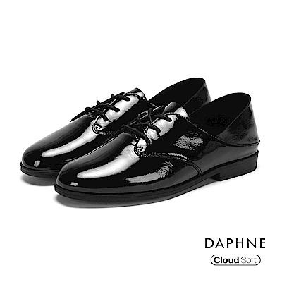 達芙妮DAPHNE 休閒鞋-真皮綁帶亮面牛津休閒鞋-黑