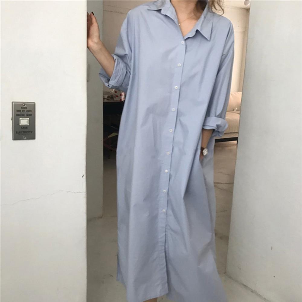 暢貨出清MOCO淺藍色素側口袋長版寬鬆排釦襯衫洋裝外套
