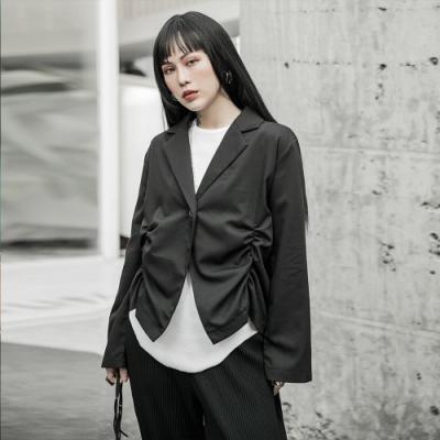 設計所在Style-暗黑風褶皺設計薄西裝外套