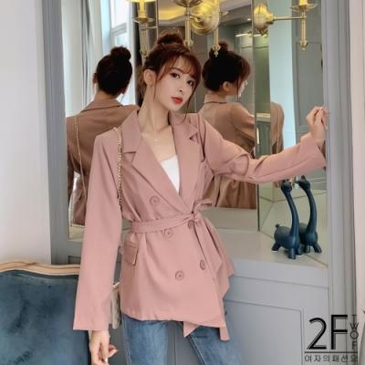 2F韓衣-翻領排扣繫繩造型風衣