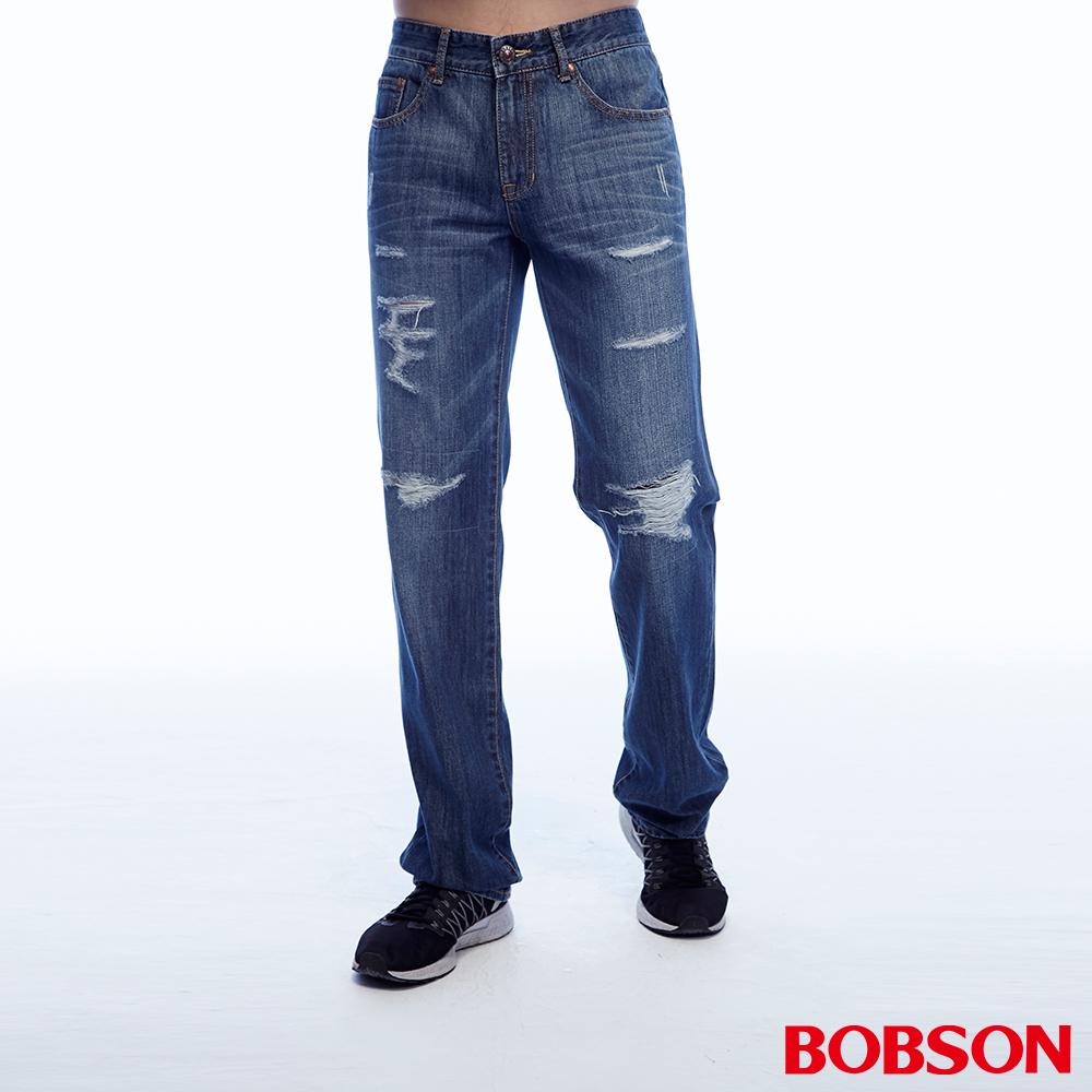 BOBSON 男款低腰刷破補釘中藍色直筒褲