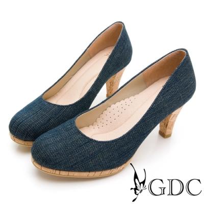 GDC-丹寧風獨特設計感圓頭拼接木質中跟鞋-藍色