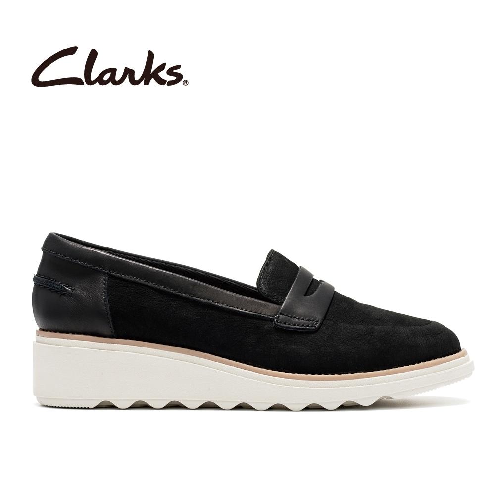 Clarks 摩登經典  時尚典雅設計感輕量楔型跟休閒鞋 黑色