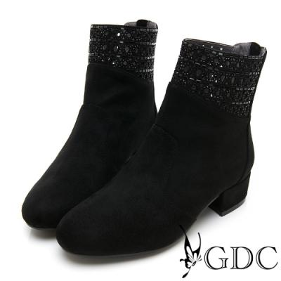 GDC-素雅簍空水鑽基本粗跟低筒秋冬靴-黑色