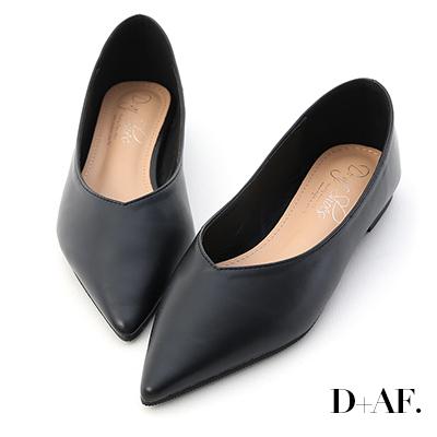 D+AF 韓風時尚.素面尖頭V口平底鞋*黑