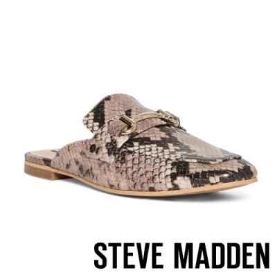 STEVE-MADDEN-KORI-馬銜扣蛇紋低跟穆勒鞋-咖色