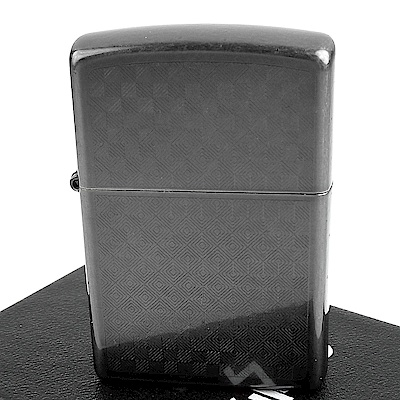 ZIPPO 美系~Iced Carbon Fiber-仿碳纖維圖案設計打火機