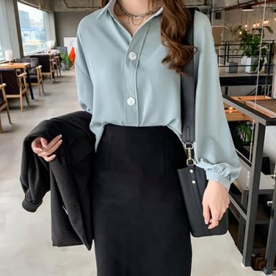 La Belleza素色燈籠袖三釦排釦絲棉滑料襯衫