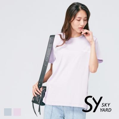 【SKY YARD 天空花園】潮流百搭下擺開岔寬鬆版標語印圖造型上衣-紫色