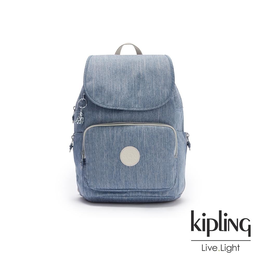 Kipling 淺色丹寧藍掀蓋拉鍊後背包-CAYENNE