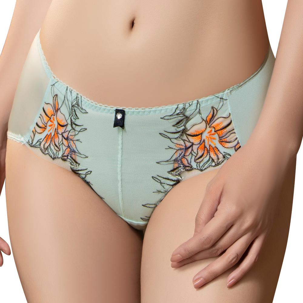 思薇爾 花影饗宴系列M-XXL蕾絲刺繡中腰三角內褲(青冰藍)