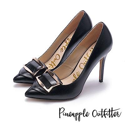 Pineapple Outfitter 知性女爵 品牌金屬飾釦尖頭高跟鞋-黑色