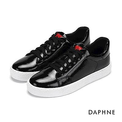 達芙妮DAPHNE 休閒鞋-復古漆皮亮面綁帶休閒鞋-黑